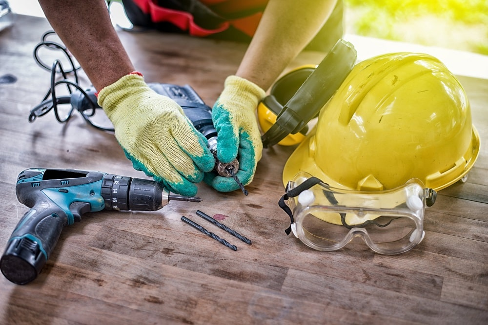 mejorar el ambiente de la empresa mejorando la seguridad de los trabajadores