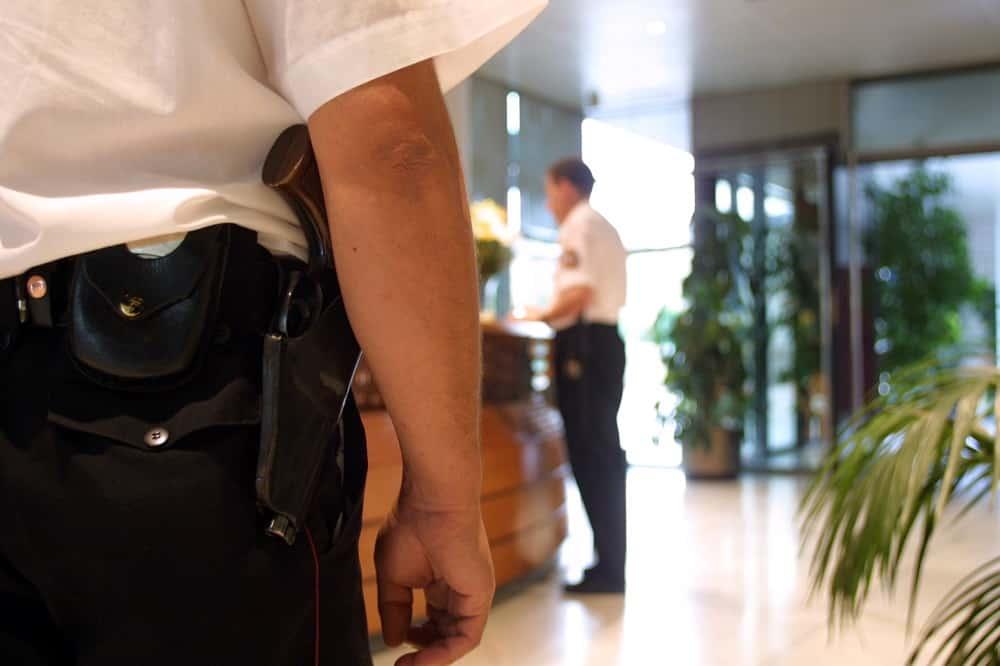 los servicios de acuda y custodia